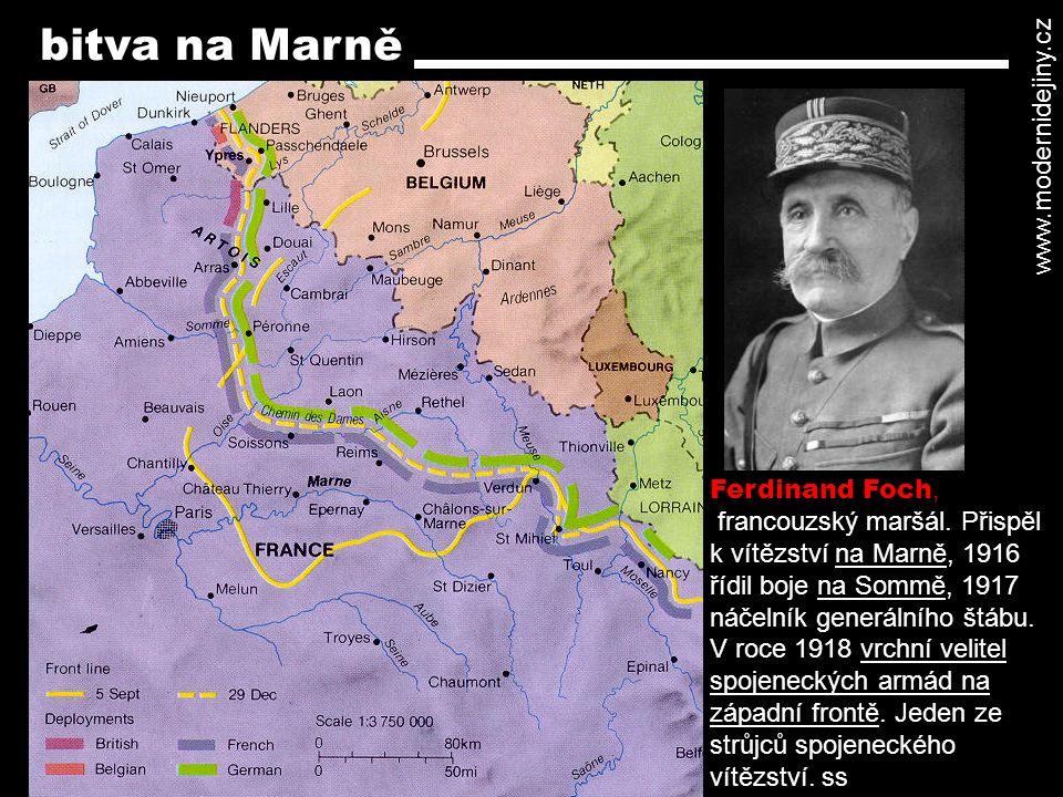 Východní fronta - Rusko vstoupilo do východních Prus (1914), ale bylo odraženo Hindenburgem u Tannenberka - v roce 1915 Němci a Rakušané pronikli hluboko do ruského území a zajali statisícové armády - v reakci na válečné hrůzy bylo v Rusku v březnu 1917 svrženo samoděržaví (svržen car Mikuláš II.), vyhlášena republika (únorová revoluce) a vytvořena prozatímní vláda, která však pokračovala ve válce s Německem - 7.