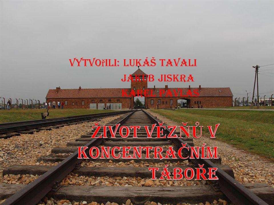 Deportace do KT. Vězně převáželi do koncentračních táborů v dřevěných vagonech.