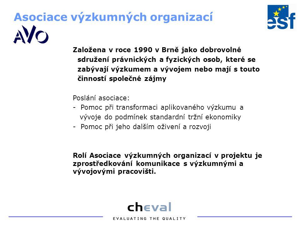 Sdružuje pražské MSP a poskytuje mimo jiné následující služby: -zprostředkovává a organizuje setkání, případně jiné formy jednání mezi českými a zahraničními firmami -šíří informace o nabídkách/poptávkách českých firem po celém světě cestou obchodních a průmyslových komor v zahraničí Rolí Hospodářské komory je šíření výsledků projektu a komunikace s podnikatelskou veřejností.