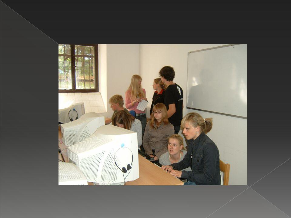 Rozlučkové odpoledne  Zhodnotili jsme studentskou výměnu  Přednesli jsme rodičům a učitelům své prezentace