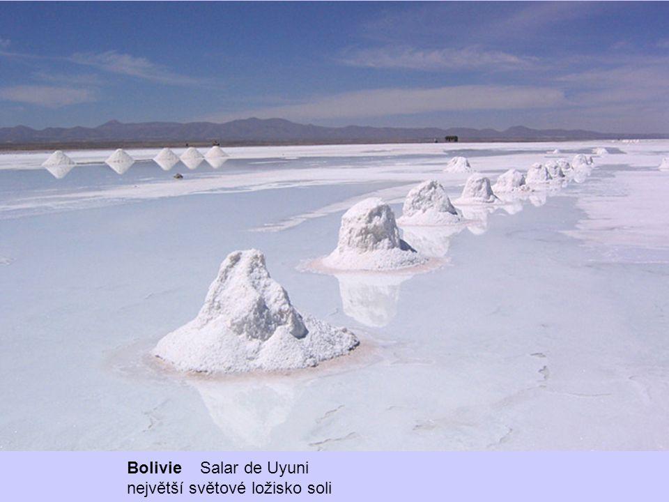 Bolivie Salar de Uyuni největší světové ložisko soli