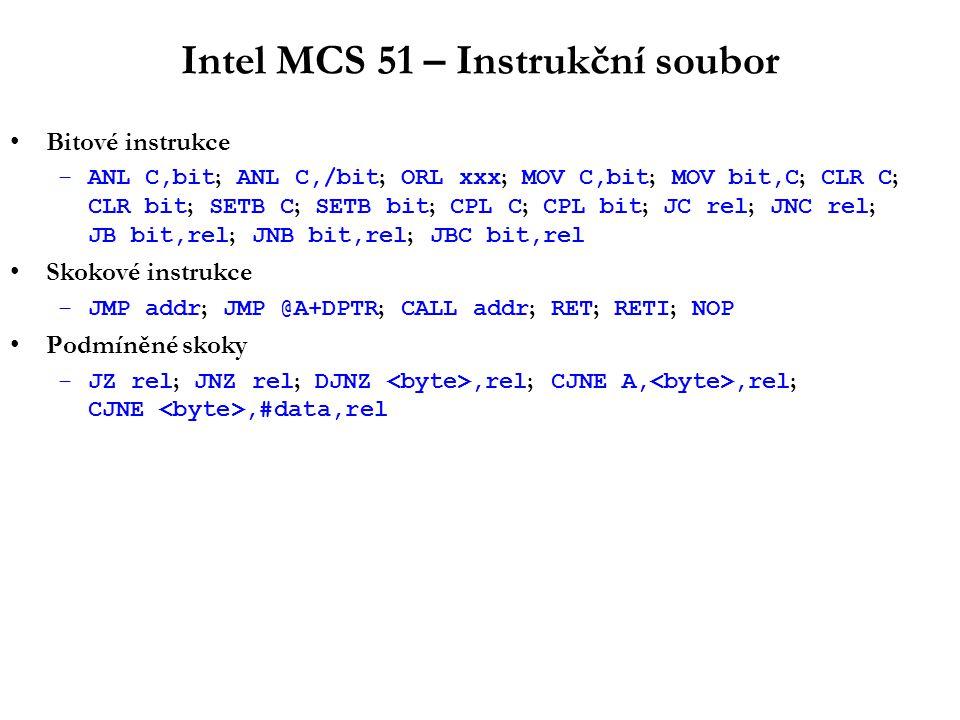 8-bitové procesory – celkové zhodnocení Sběrnice: –8 bitová datová sběrnice –16 bitová adresová sběrnice, obvykle multiplexovaná Instrukční soubor: –CISC –akumulátorově orientovaný –8-bitová aritmetika, bez násobení/dělení –omezeně i 16-bitová aritmetika (obvykle však jen v souvislosti s adresací) Systém přerušení: –obvykle velmi jednoduchý (jediná obslužná rutina, rozlišení zdroje přerušení dodatečným HW) –výjimka: Z80 –jen vnější přerušení, v některých případech SW přerušení Zcela chybí: –podpora virtuální paměti (MMU) –mechanismy ochrany