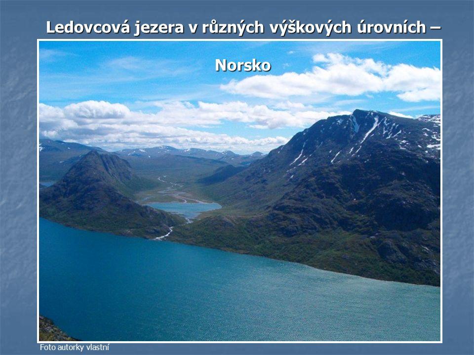 Ledovcová jezera v různých výškových úrovních –