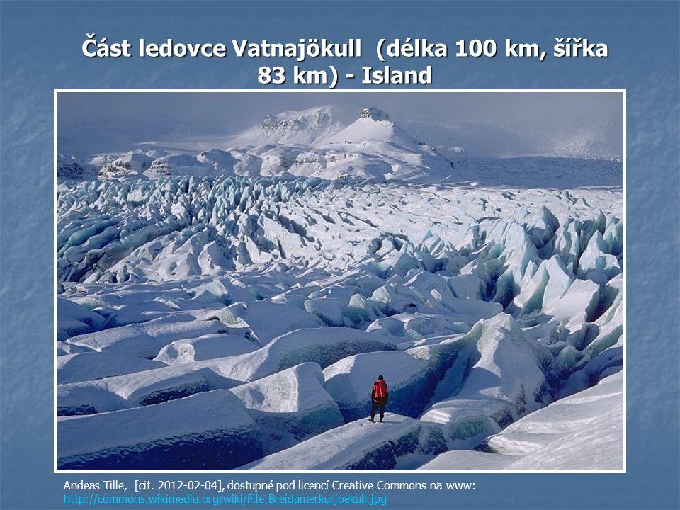 Část ledovce Vatnajökull (délka 100 km, šířka 83 km) - Island