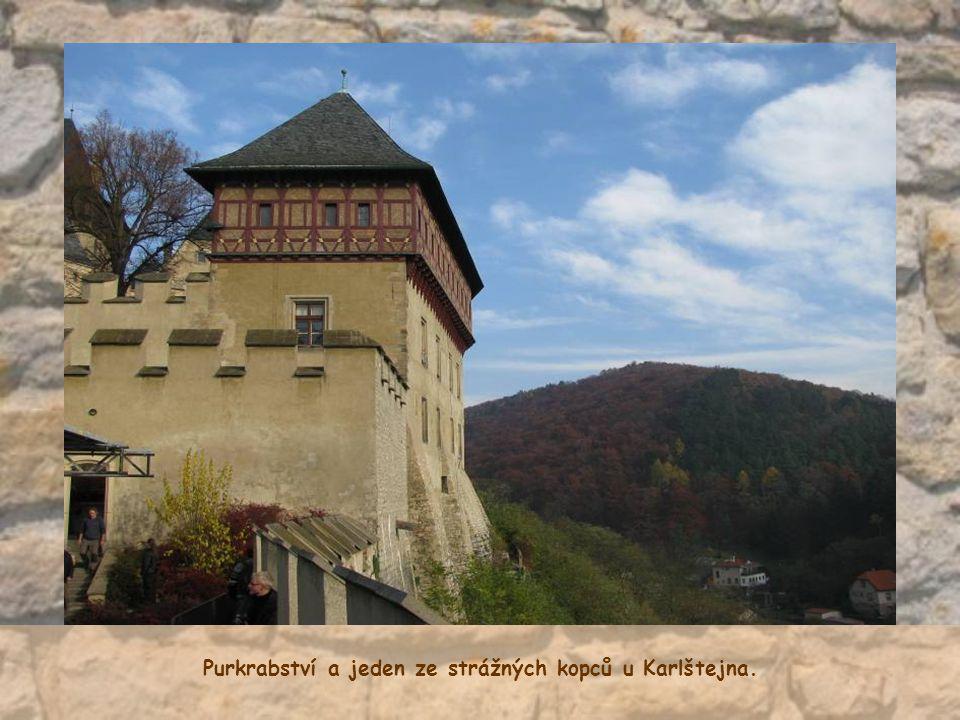 Purkrabství a jeden ze strážných kopců u Karlštejna.
