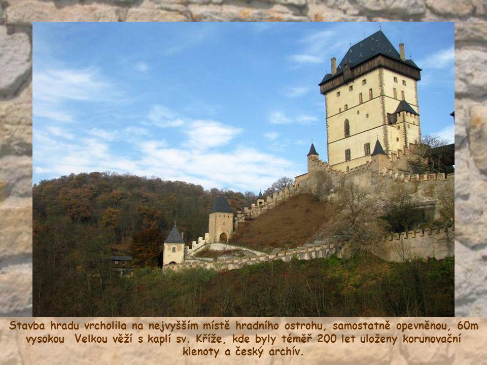 Stavba hradu vrcholila na nejvyšším místě hradního ostrohu, samostatně opevněnou, 60m vysokou Velkou věží s kaplí sv.