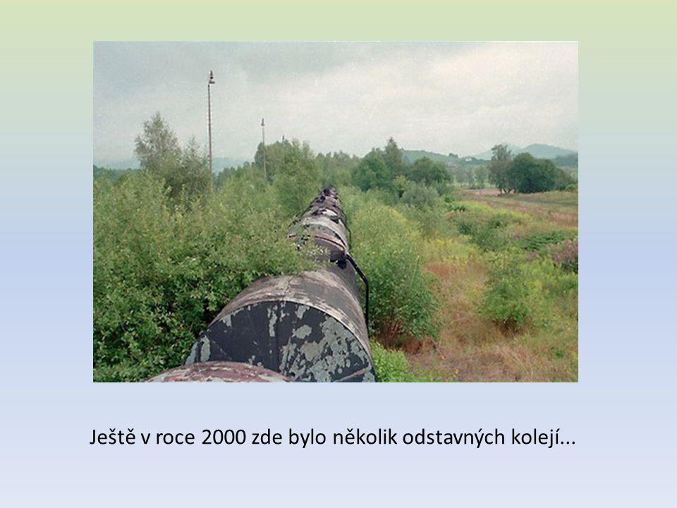 Ještě v roce 2000 zde bylo několik odstavných kolejí...