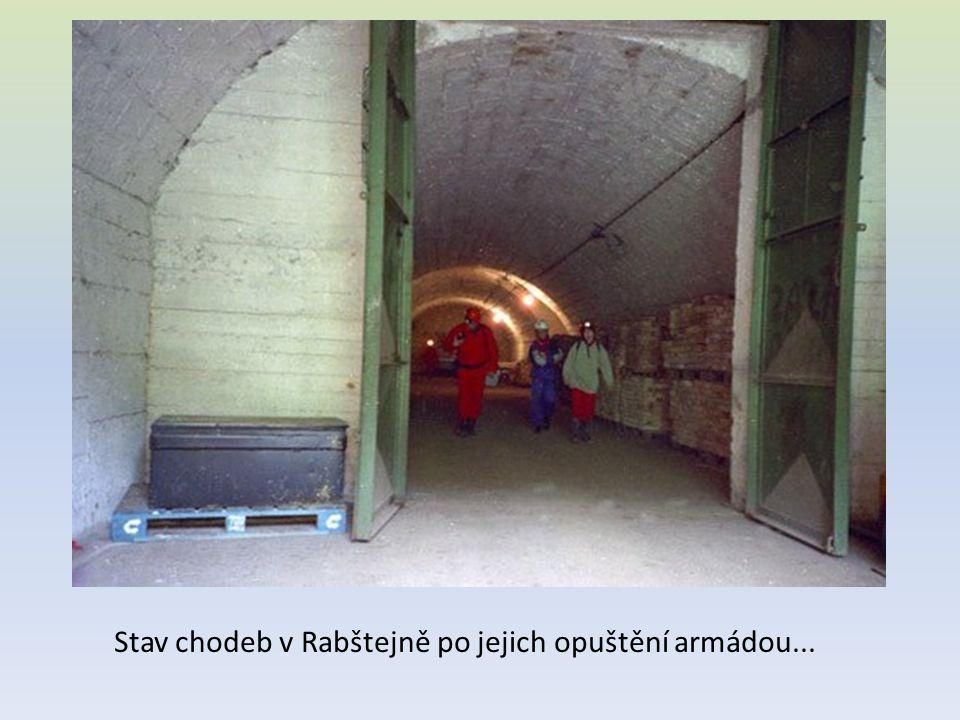 Stav chodeb v Rabštejně po jejich opuštění armádou...