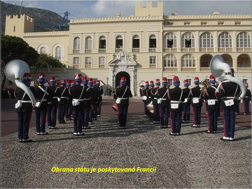 Obrana státu je poskytovaná Francií