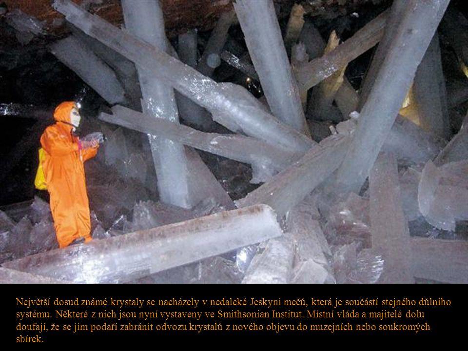 Největší dosud známé krystaly se nacházely v nedaleké Jeskyni mečů, která je součástí stejného důlního systému.
