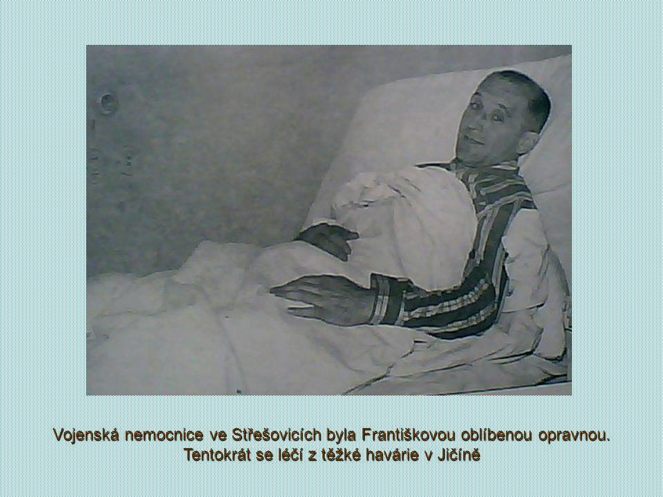 Vojenská nemocnice ve Střešovicích byla Františkovou oblíbenou opravnou.
