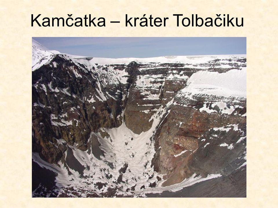 Kamčatka – kráter Tolbačiku