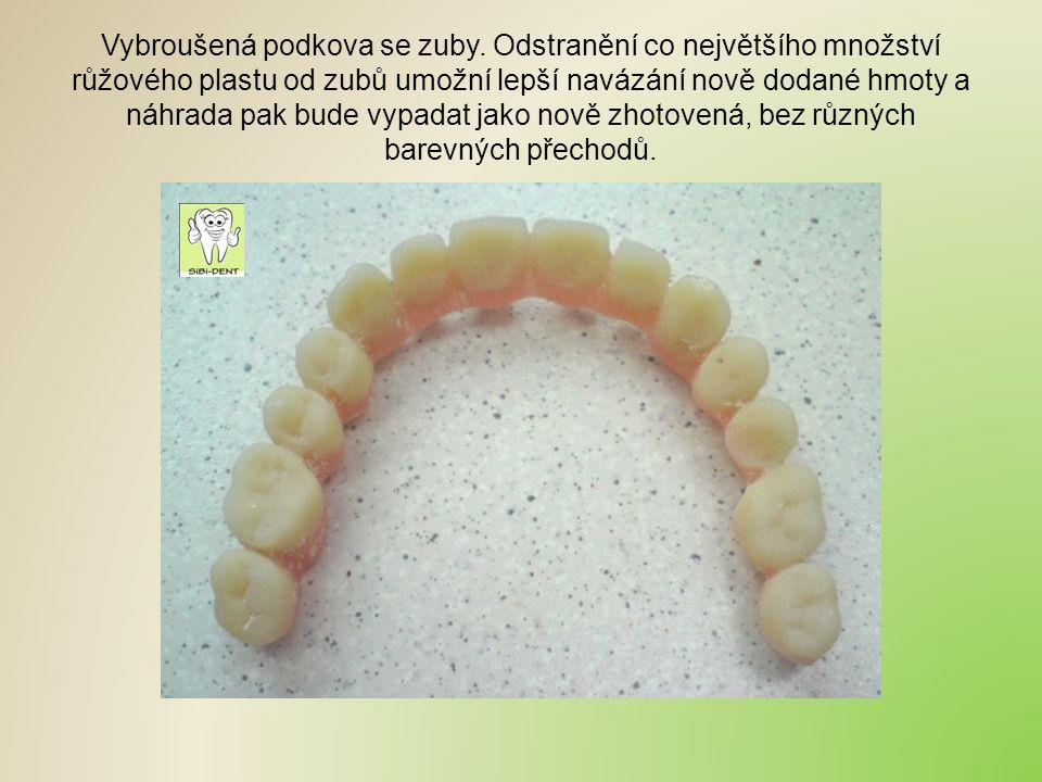 Vybroušená podkova se zuby