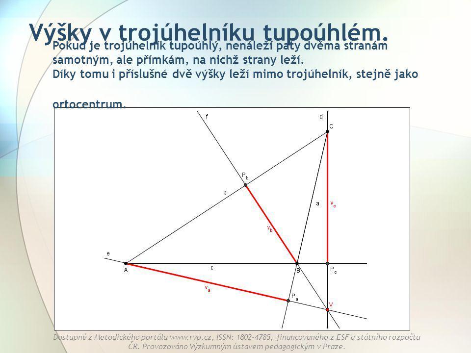 Výšky v trojúhelníku tupoúhlém.