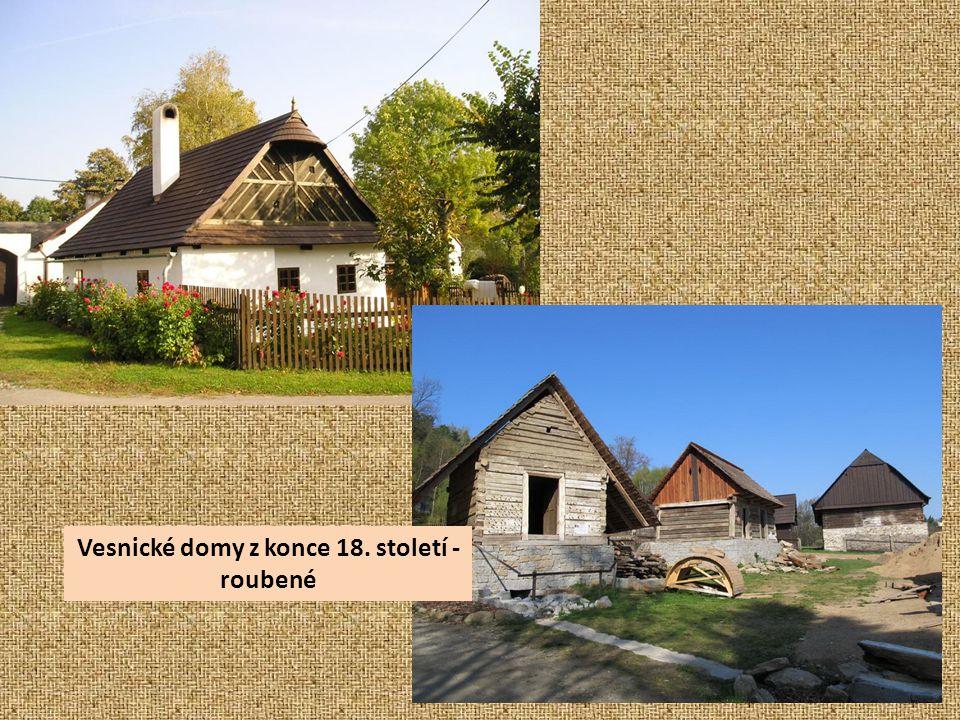 Vesnické domy z konce 18. století - roubené