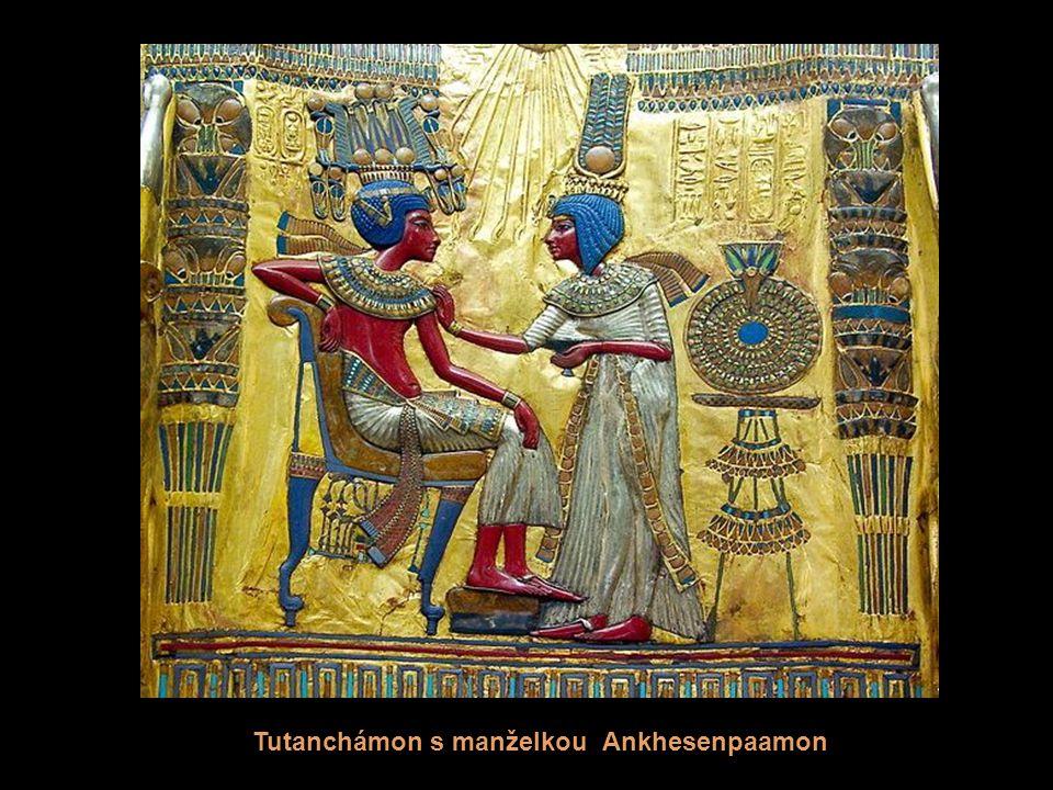 Tutanchámon s manželkou Ankhesenpaamon