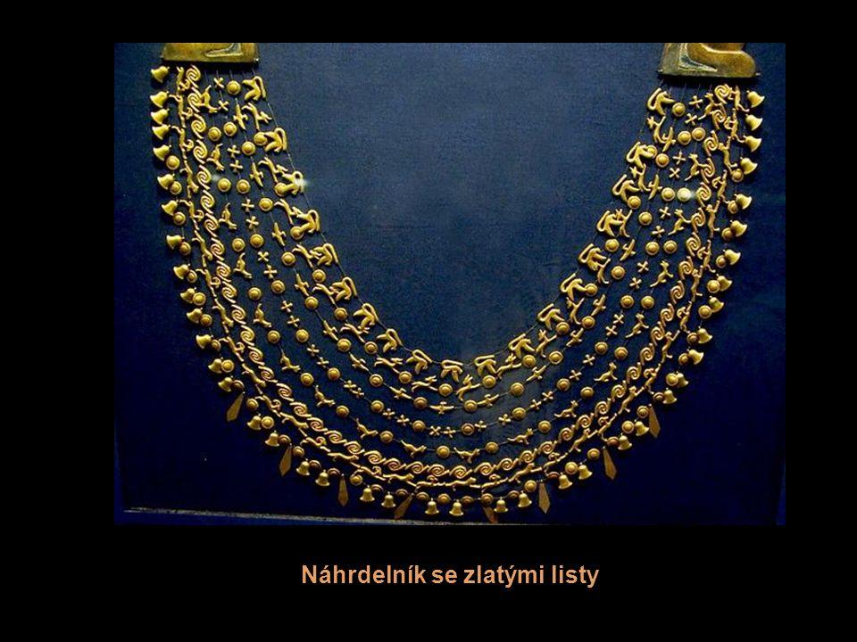 Náhrdelník se zlatými listy