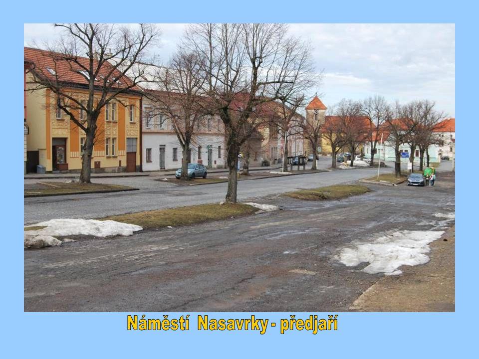 Náměstí Nasavrky - předjaří