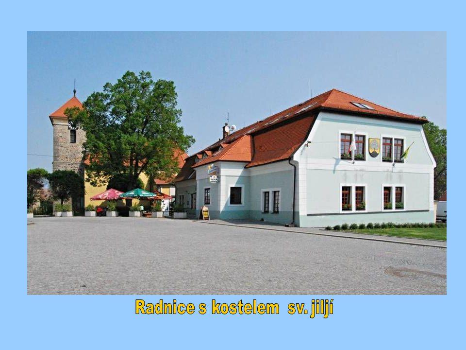 Radnice s kostelem sv. jiljí