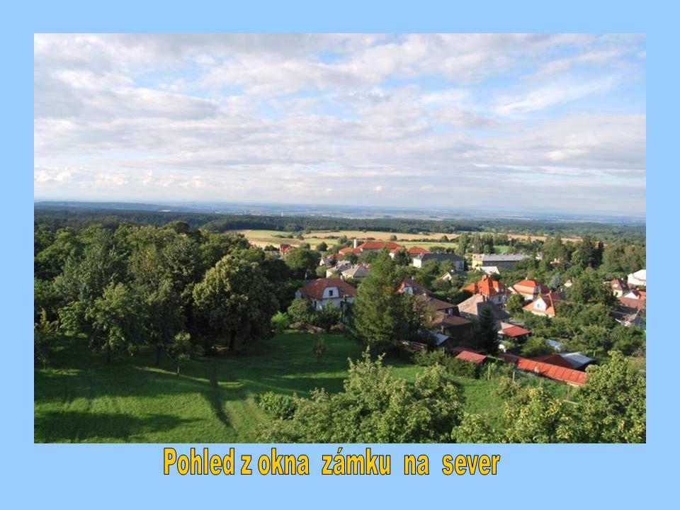 Pohled z okna zámku na sever