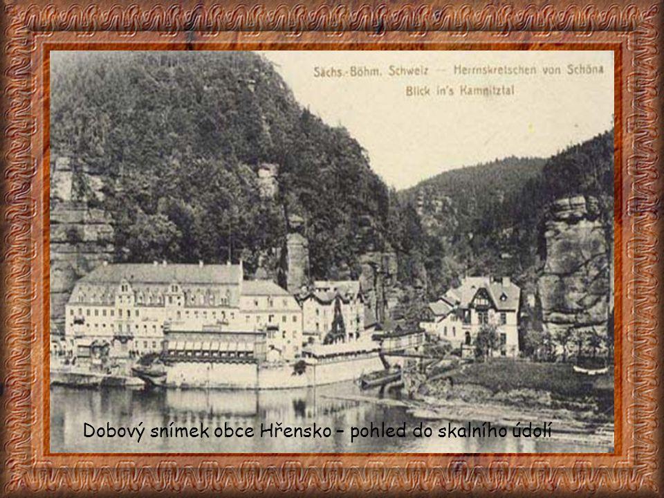 Dobový snímek obce Hřensko – pohled do skalního údolí