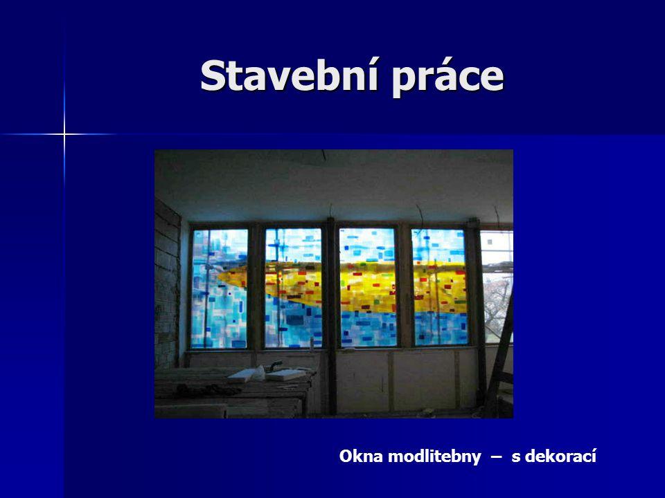 Stavební práce Okna modlitebny – s dekorací
