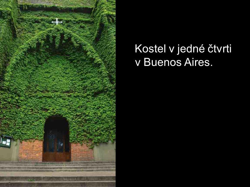 Kostel v jedné čtvrti v Buenos Aires.