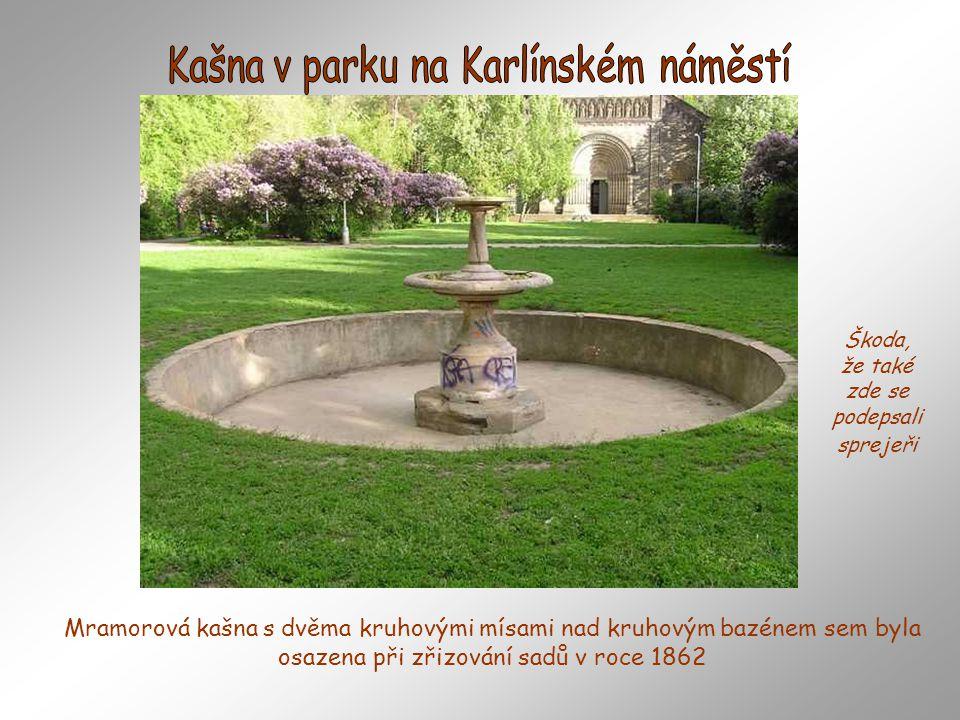 Kašna v parku na Karlínském náměstí