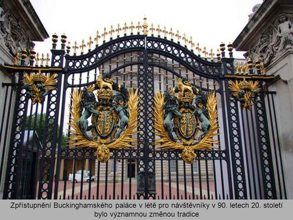 Zpřístupnění Buckinghamského paláce v létě pro návštěvníky v 90