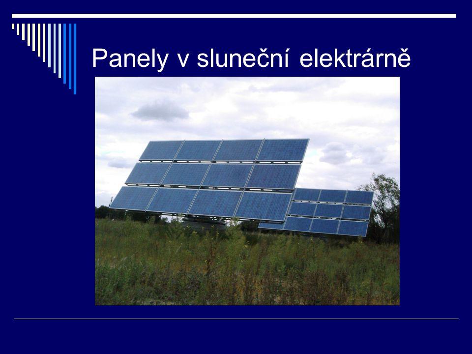 Panely v sluneční elektrárně