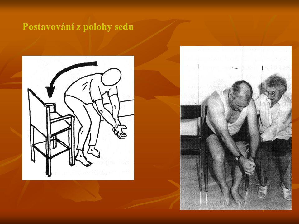 Postavování z polohy sedu