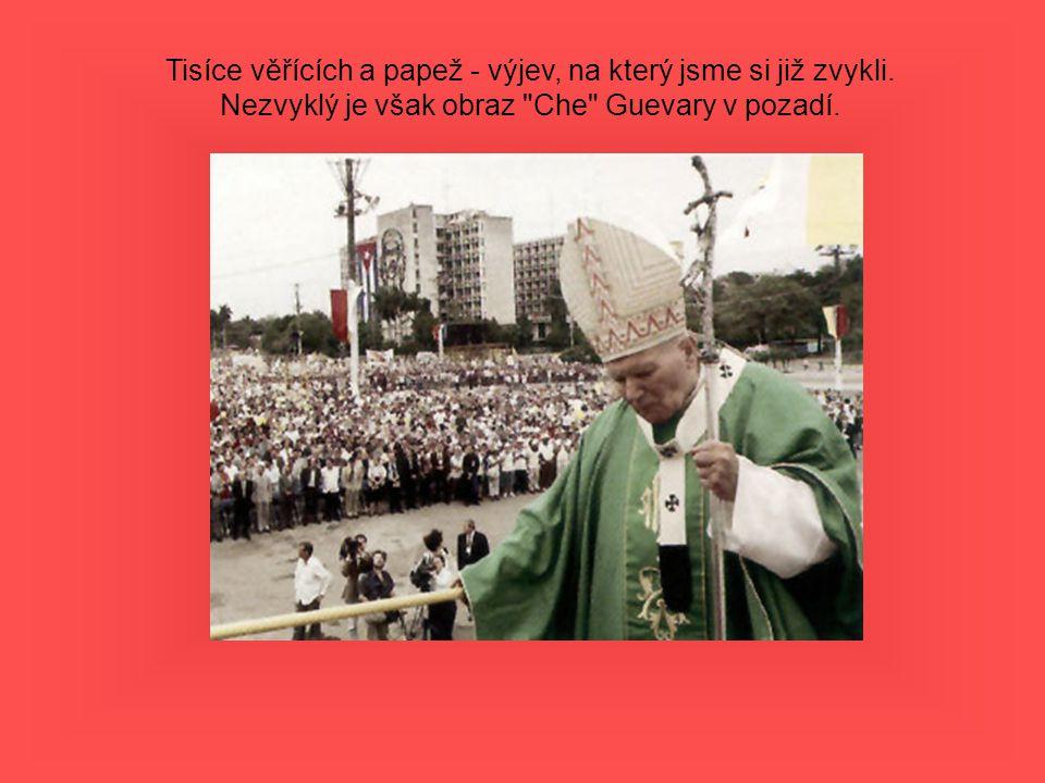 Tisíce věřících a papež - výjev, na který jsme si již zvykli