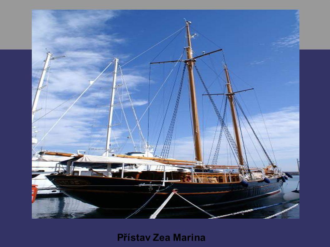 Přístav Zea Marina