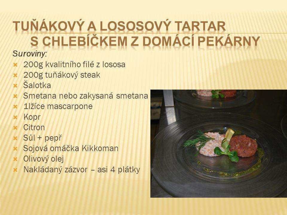 Tuňákový a lososový tartar s chlebíčkem z domácí pekárny