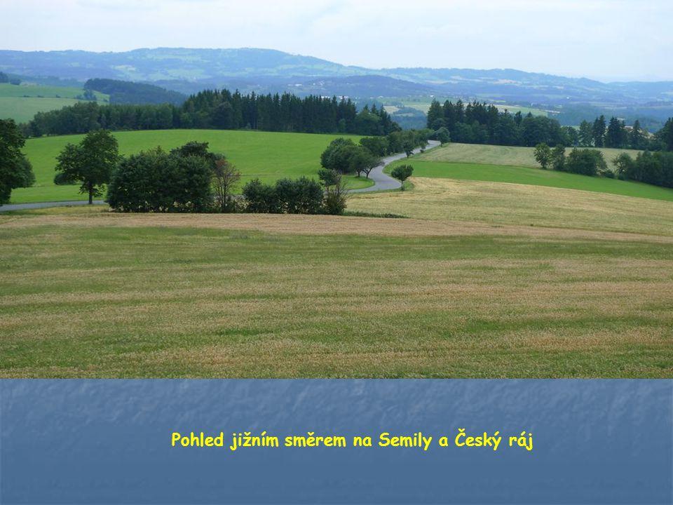 Pohled jižním směrem na Semily a Český ráj