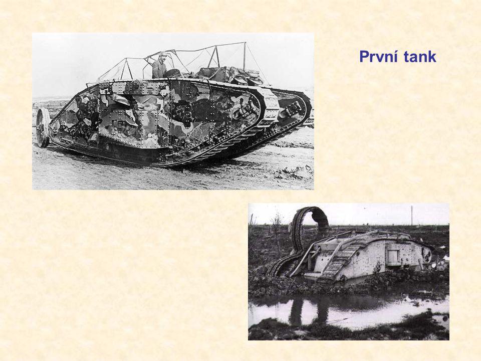 První tank