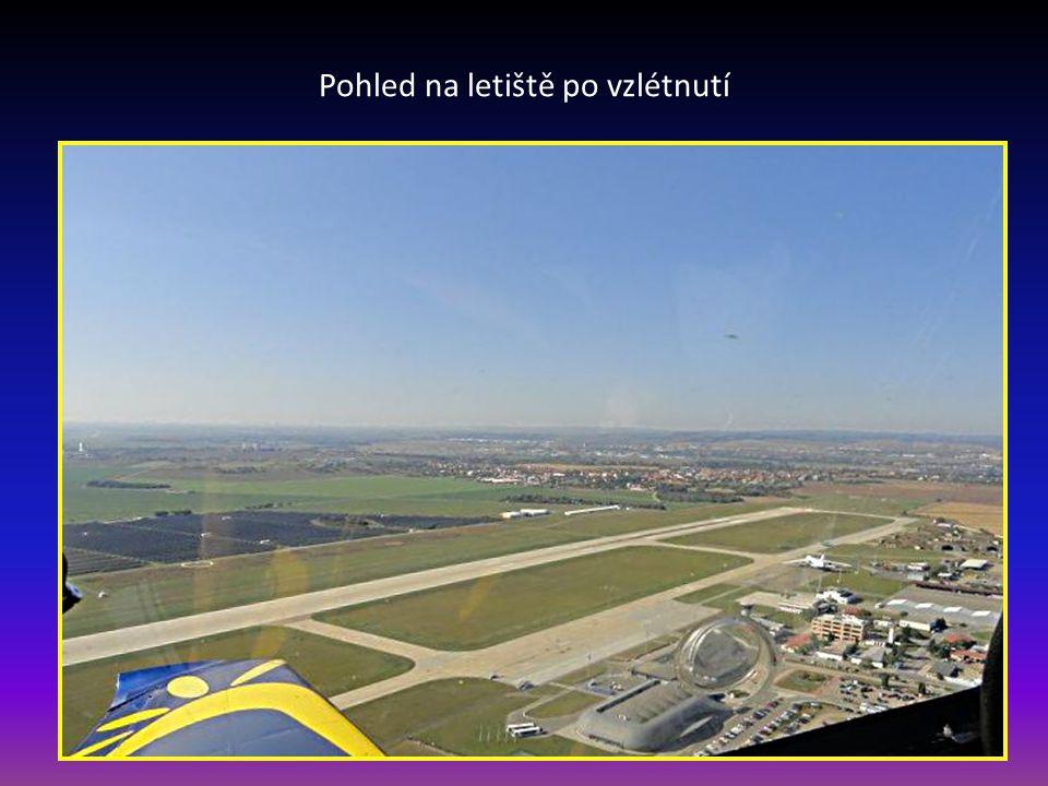 Pohled na letiště po vzlétnutí