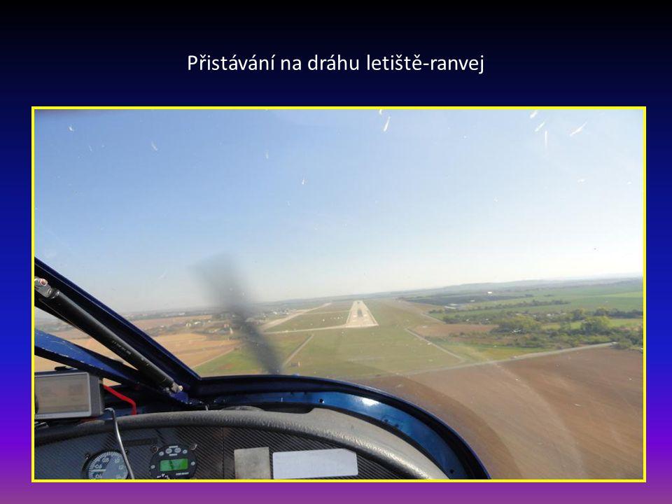 Přistávání na dráhu letiště-ranvej