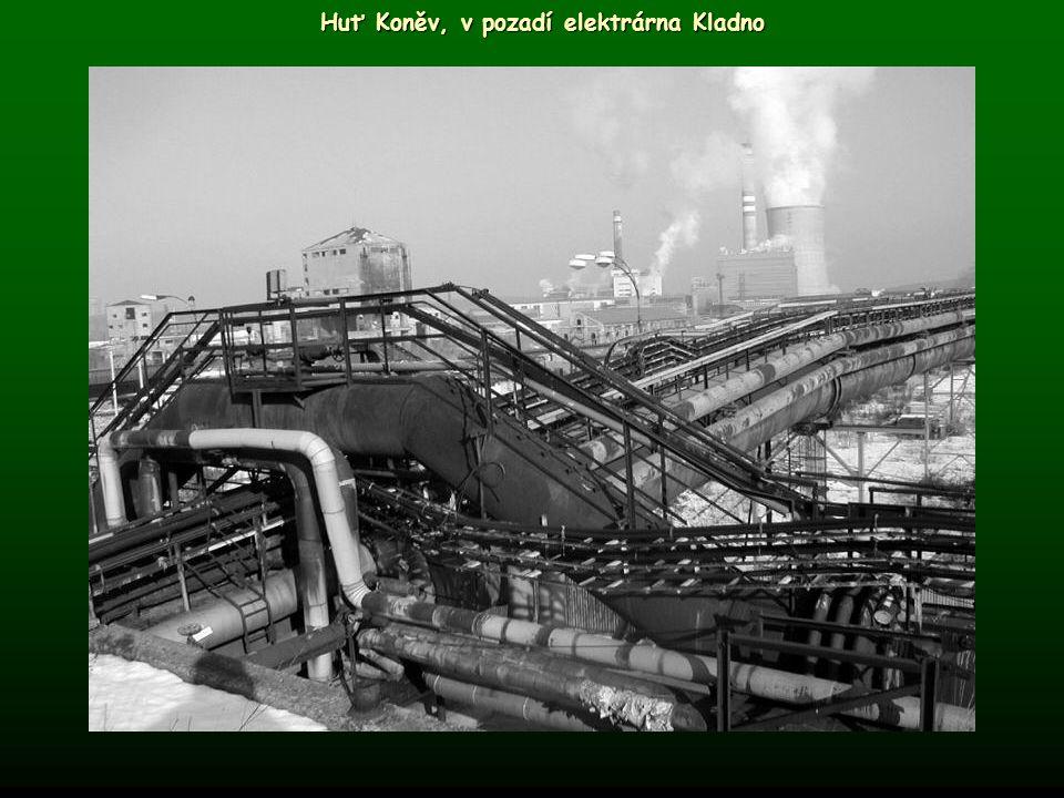 Huť Koněv, v pozadí elektrárna Kladno