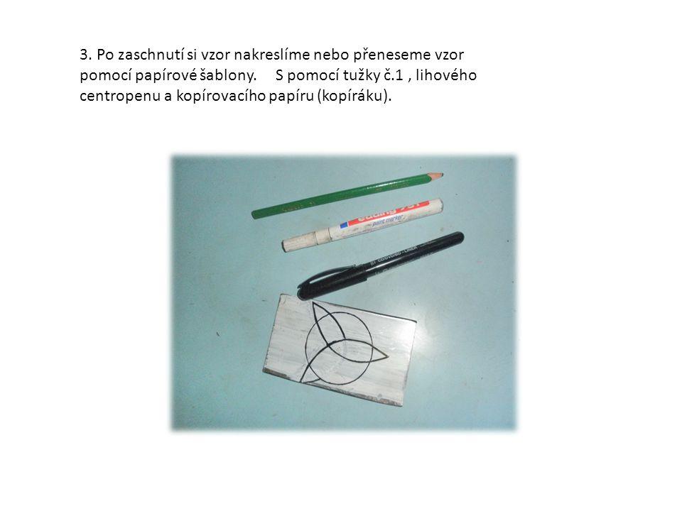obr. č. 5,6: příklady ryteckých nástrojů - svěrák a cizelérské kladívko.