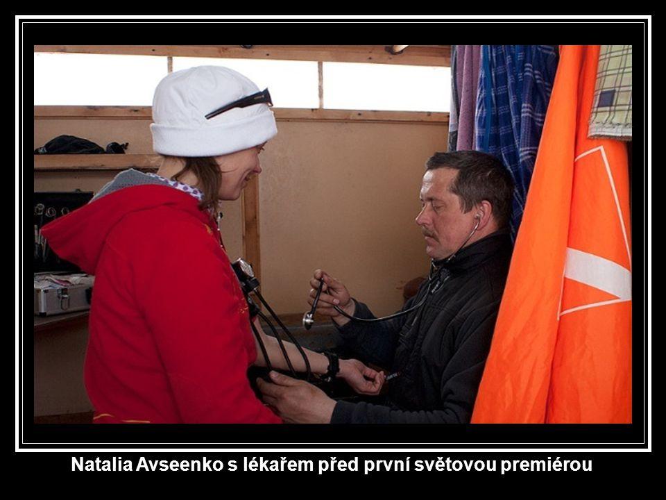 Natalia Avseenko s lékařem před první světovou premiérou