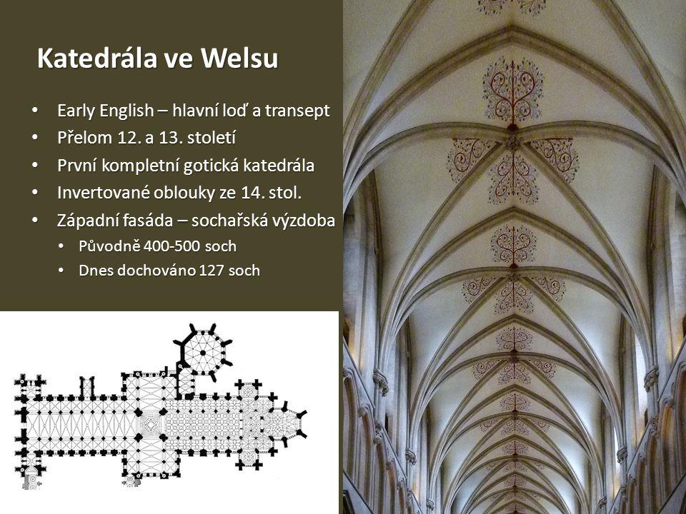 Katedrála ve Welsu Early English – hlavní loď a transept