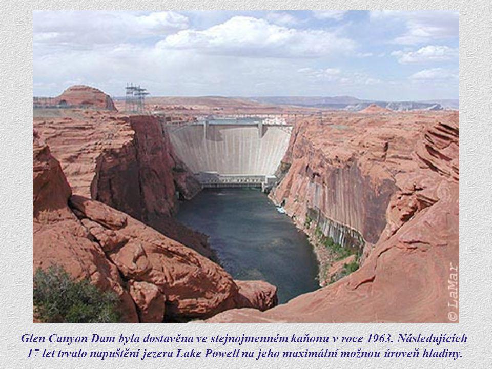 Glen Canyon Dam byla dostavěna ve stejnojmenném kaňonu v roce 1963