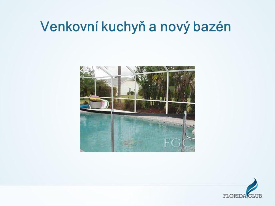 Venkovní kuchyň a nový bazén