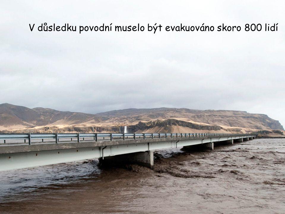 V důsledku povodní muselo být evakuováno skoro 800 lidí