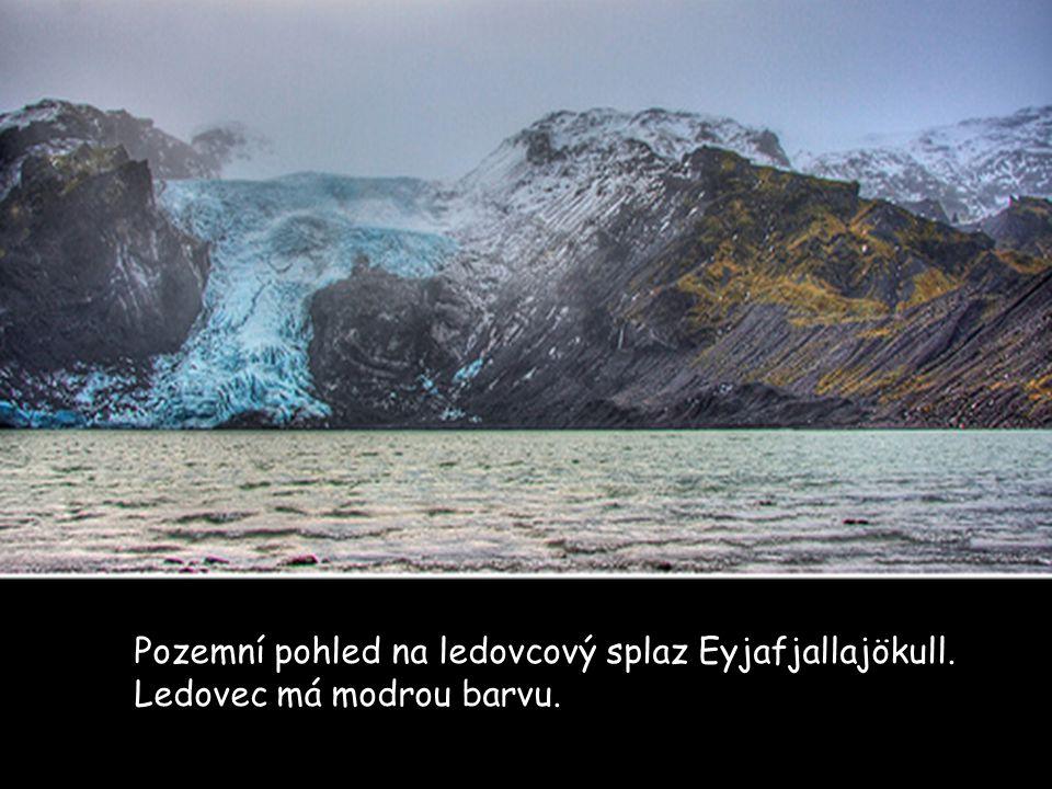 Pozemní pohled na ledovcový splaz Eyjafjallajökull