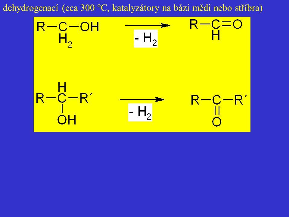 dehydrogenací (cca 300 °C, katalyzátory na bázi mědi nebo stříbra)