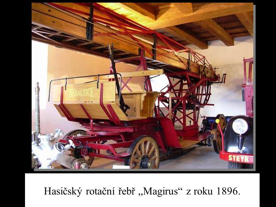 """Hasičský rotační řebř """"Magirus z roku 1896."""
