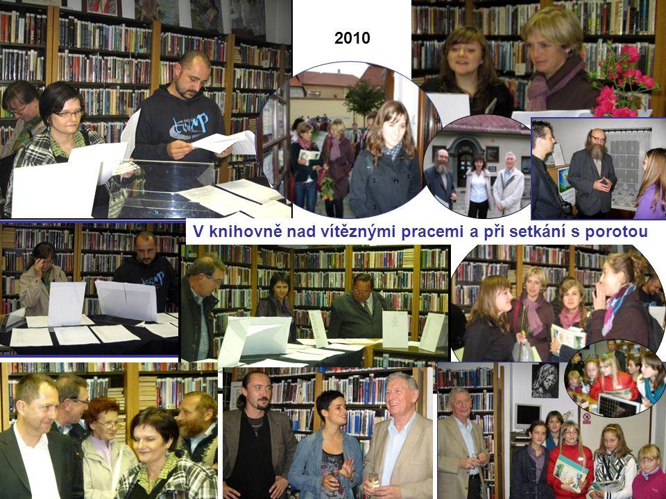2010 V knihovně nad vítěznými pracemi a při setkání s porotou