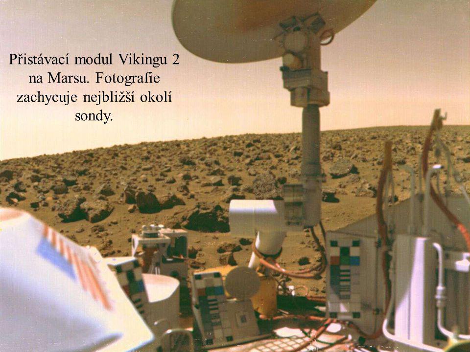 Přistávací modul Vikingu 2 na Marsu